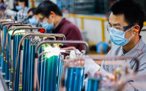Thế giới bận chống dịch Covid-19, các nhà sản xuất Trung Quốc 'ế khách' nghiêm trọng