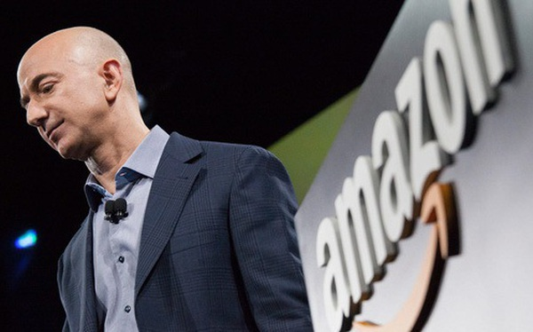 Mạnh tay chống hàng giả, chính quyền ông Trump vừa giáng vào Amazon một cú đánh 'chết người'