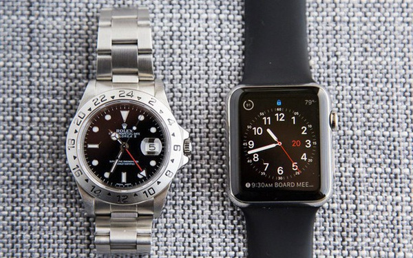 """Bi kịch """"smartphone vs máy ảnh số"""" có thể đang lặp lại với Apple Watch và đồng hồ Thụy Sĩ"""