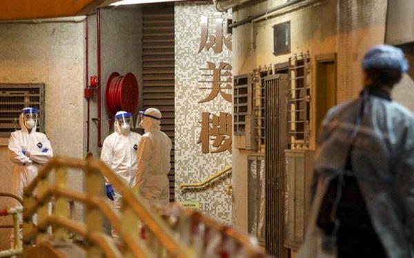 Nguy cơ virus corona lây lan qua đường ống nước, chung cư tại Hong Kong phải di tản khẩn cấp