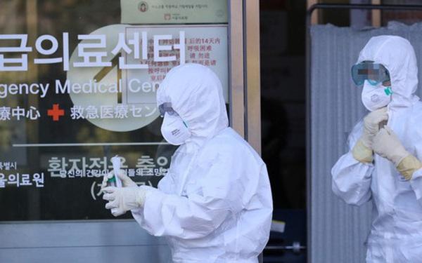 """Nóng: Đã có 82 người nhiễm virus corona tại Hàn Quốc, 23 trường hợp do bệnh nhân """"siêu lây nhiễm"""" gây ra"""