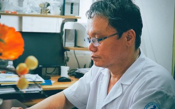"""Chân dung """"hiệp sĩ phá dịch"""", bác sĩ Trương Hữu Khanh: Từ """"kẻ gàn dở"""" của ngành y tới danh hiệu Thầy thuốc ưu tú, cứu giúp cho vô số người"""
