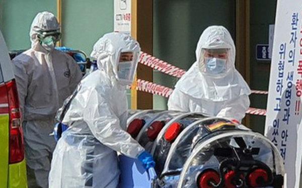 """Ca đầu tiên dương tính trở lại với virus corona ở Hàn Quốc: Bác sĩ cho rằng mầm bệnh còn sót lại đã """"hồi sinh"""""""