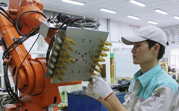 Nhà máy thông minh trong chiến lược chuyển mình của doanh nghiệp Việt