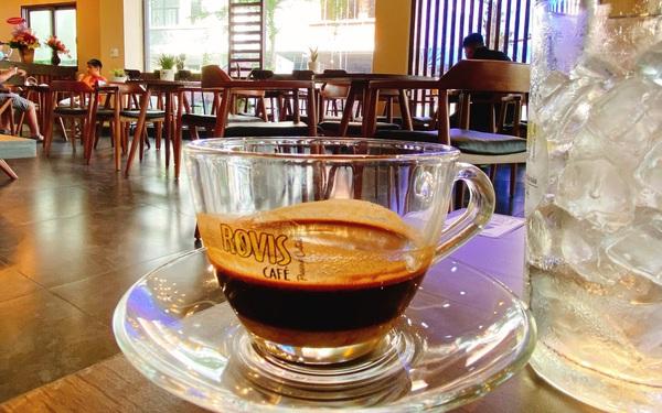 Hệ thống nhượng quyền cafe hiên ngang sống giữa đại dịch
