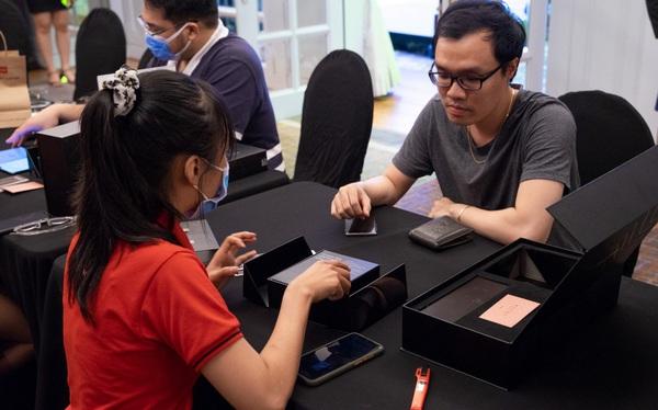 Galaxy Z Fold 2 mở bán tại CellphoneS, lập kỉ lục smartphone màn hình gập bán chạy nhất
