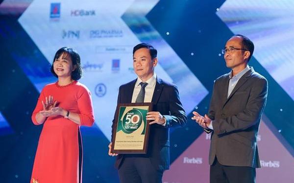 Vietcombank 8 năm liên tiếp được Forbes bình chọn trong top 50 công ty niêm yết tốt nhất Việt Nam