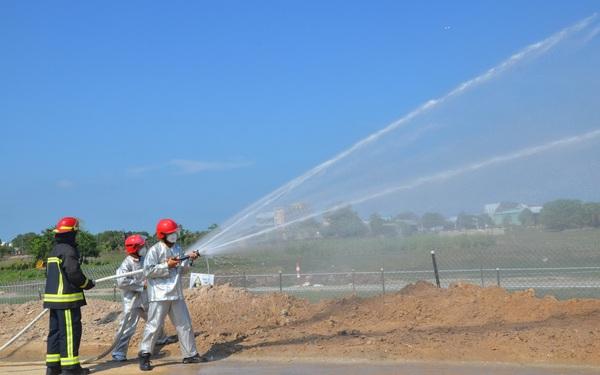 KĐN tổ chức thành công diễn tập PCCC trên hành lang tuyến ống dẫn khí Bạch Hổ
