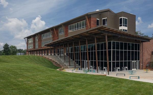 Mount Vernon - Top 10 Trường đổi mới sáng tạo nhất Hoa Kỳ hợp tác với Hệ thống Trường Mầm non Sakura Montessori