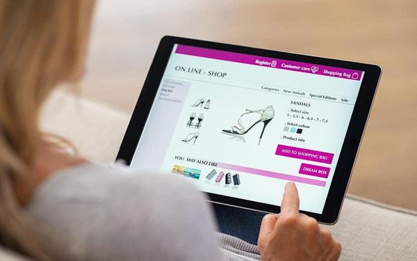 """Website """"5 sao"""": Khi hàng xa xỉ phẩm được chốt đơn trong """"một nốt nhạc"""" qua website bán hàng"""