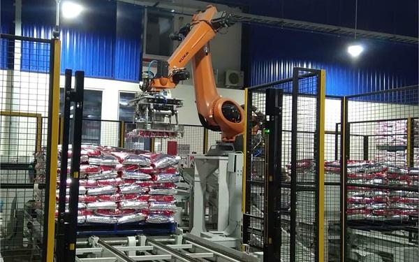 Lý do để doanh nghiệp lựa chọn robot đóng bao tự động OMBA
