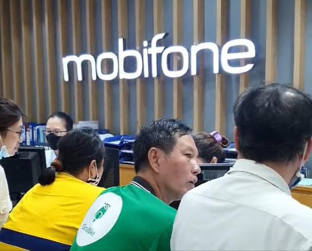 Sự cố sập mạng MobiFone: Khách hàng có thể kiện đòi bồi thường? - Ảnh 1.