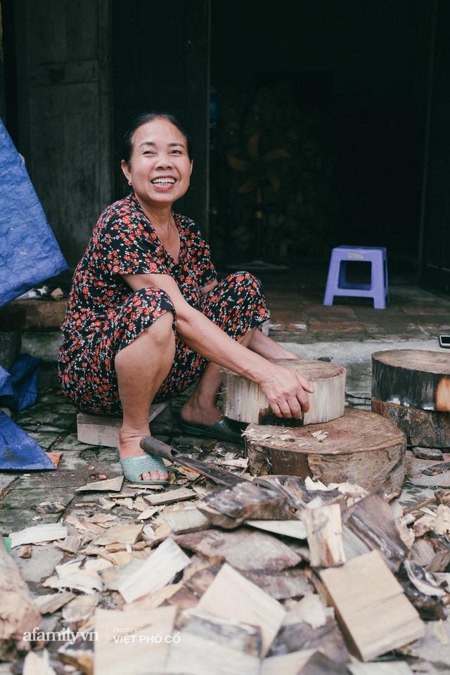 Tết Trung thu về làng Ông Hảo, gặp cặp vợ chồng 40 năm bám nghề làm trống: Đắng-cay-ngọt-bùi đã trải đủ, nhưng chưa 1 ngày mất niềm tin vào sức sống của nghề - Ảnh 12.