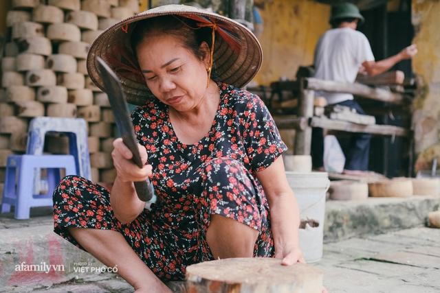 Tết Trung thu về làng Ông Hảo, gặp cặp vợ chồng 40 năm bám nghề làm trống: Đắng-cay-ngọt-bùi đã trải đủ, nhưng chưa 1 ngày mất niềm tin vào sức sống của nghề - Ảnh 19.