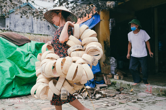 Tết Trung thu về làng Ông Hảo, gặp cặp vợ chồng 40 năm bám nghề làm trống: Đắng-cay-ngọt-bùi đã trải đủ, nhưng chưa 1 ngày mất niềm tin vào sức sống của nghề - Ảnh 7.