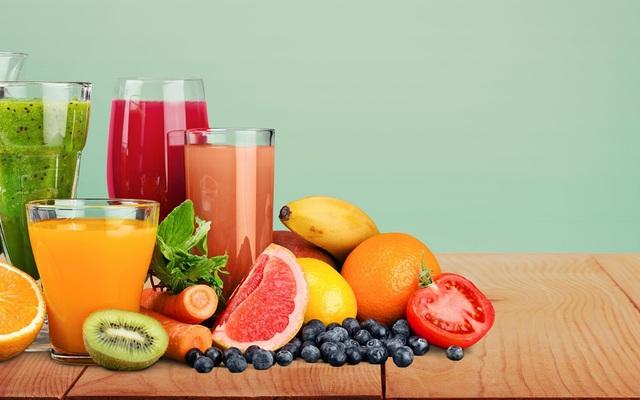1 lon nước ép hoa quả còn chứa nhiều calo hơn lon Coca là những gì bấy lâu nay ta lầm tưởng tốt cho sức khỏe