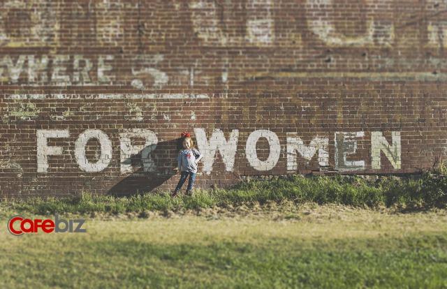 20 tuổi sống vì ba mẹ, 30 tuổi sống vì con cái, sau 40 tuổi, muốn sống cho chính mình: hạnh phúc của phụ nữ là tự mình cho mình - Ảnh 4.