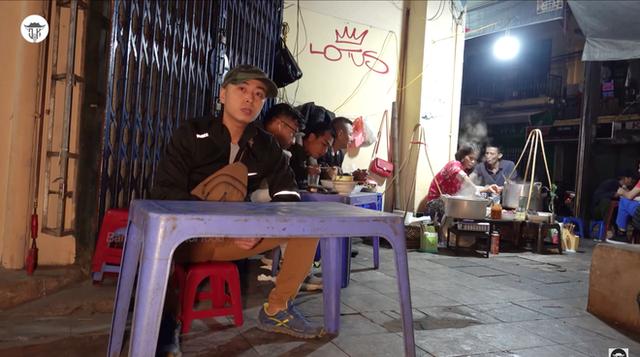 Gặp gỡ YouTuber tạo nên cơn sốt cá kho phố cổ Hà Nội, gần 40 tuổi vẫn quyết khởi nghiệp làm food blogger - Ảnh 7.