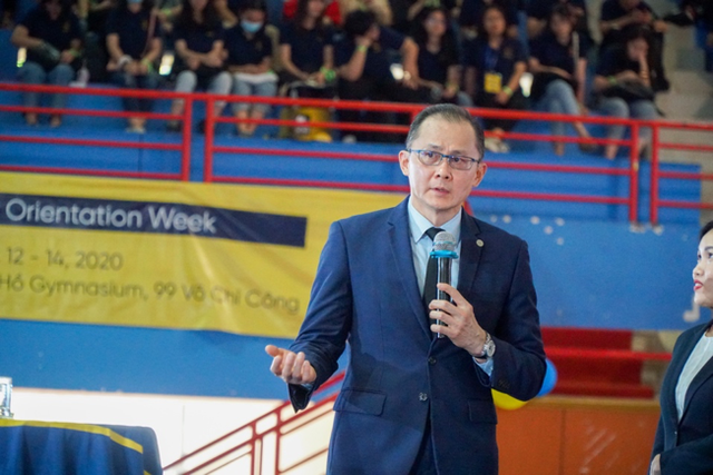 CEO Sheraton Hanoi Hotel giúp tân sinh viên Khoa Quốc tế định hướng bản thân, trở thành công dân toàn cầu - Ảnh 1.