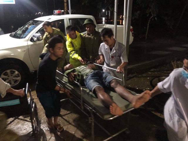 Vụ sạt lở Thủy điện Rào Trăng 3: Đang đưa 3 thi thể công nhân ra ngoài, chưa liên lạc được 13 chiến sĩ cứu hộ - Ảnh 15.