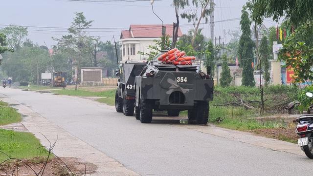 Vụ sạt lở Thủy điện Rào Trăng 3: Đang đưa 3 thi thể công nhân ra ngoài, chưa liên lạc được 13 chiến sĩ cứu hộ - Ảnh 7.