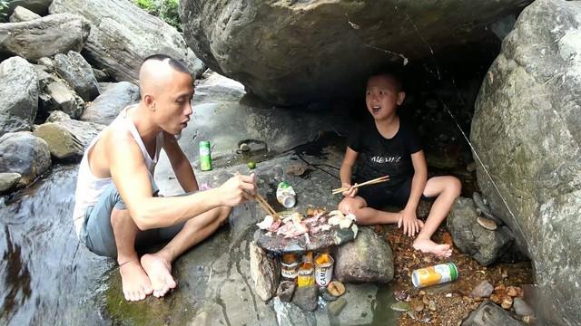 Tiết lộ số tiền 4 tỷ đồng kiếm được từ YouTube từ khi bắt đầu, anh em Tam Mao khoe luôn cơ ngơi mới - Ảnh 1.