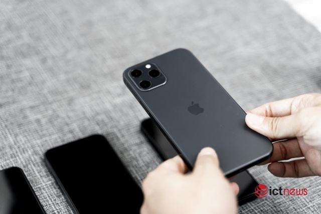 Khách Việt bắt đầu đặt mua iPhone 12 chính hãng - Ảnh 1.