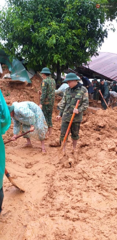 Những hình ảnh đầu tiên tại hiện trường vụ sạt lở đất nghi vùi lấp 22 cán bộ, chiến sĩ ở Quảng Trị - Ảnh 13.
