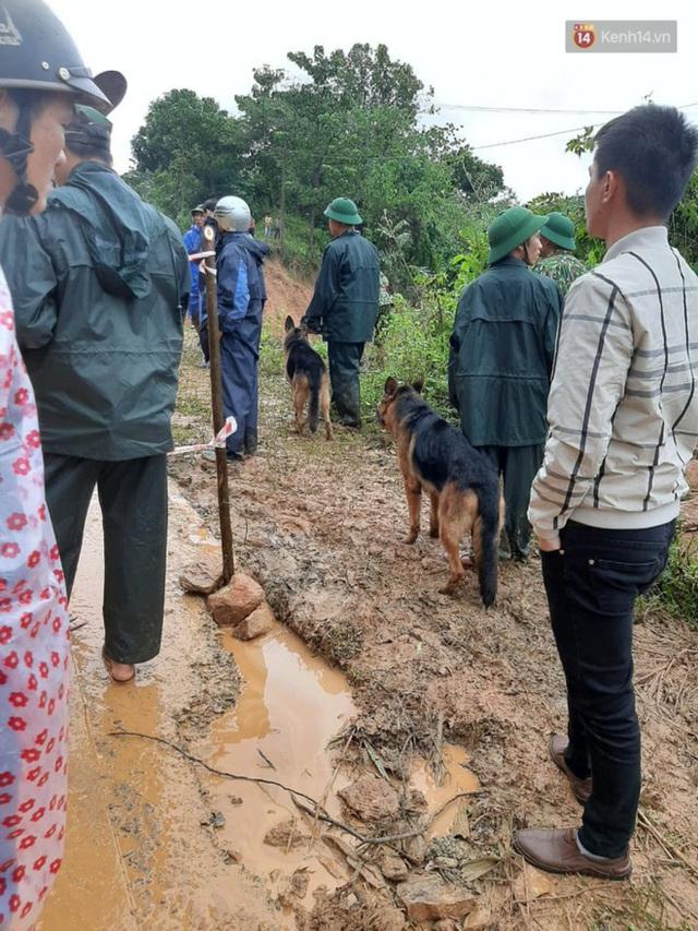 Những hình ảnh đầu tiên tại hiện trường vụ sạt lở đất nghi vùi lấp 22 cán bộ, chiến sĩ ở Quảng Trị - Ảnh 10.