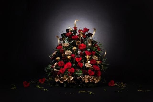 Bó hoa nửa tỷ, bông tai trăm tỷ và loạt quà tặng 20/10 đảm bảo làm nức lòng chị em - Ảnh 2.