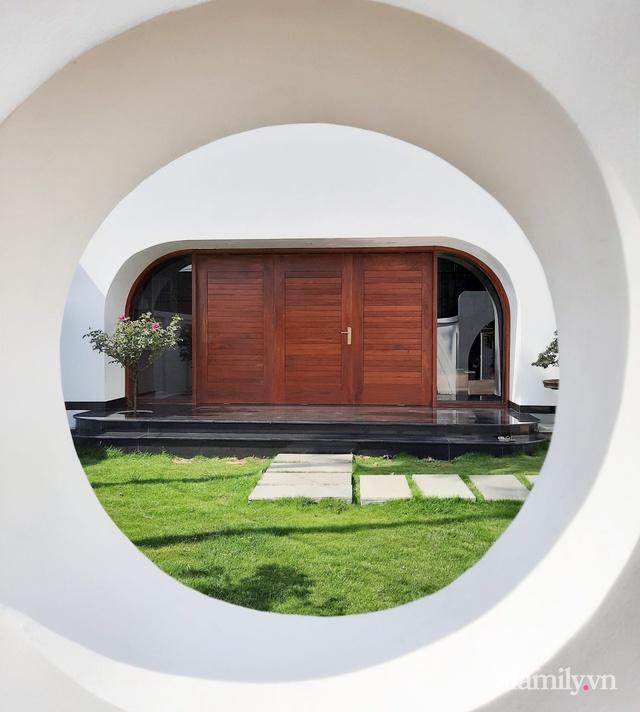 Với chi phí 1 tỷ đồng, cặp vợ chồng trẻ Đắk Lắk xây ngôi nhà mơ ước với những đường cong đẹp ngất ngây - Ảnh 4.