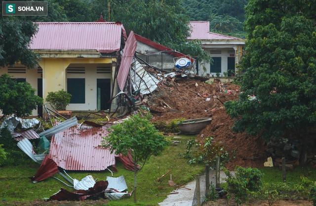 """Toàn cảnh dãy nhà bị núi lở """"san phẳng"""", vùi lấp 22 chiến sĩ ở Quảng Trị - Ảnh 6."""