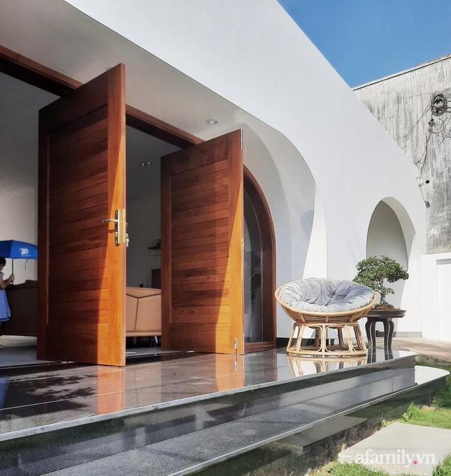 Với chi phí 1 tỷ đồng, cặp vợ chồng trẻ Đắk Lắk xây ngôi nhà mơ ước với những đường cong đẹp ngất ngây - Ảnh 8.