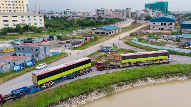 Đoàn tàu metro Nhổn - Ga Hà Nội đã về depot Nhổn - Ảnh 1.