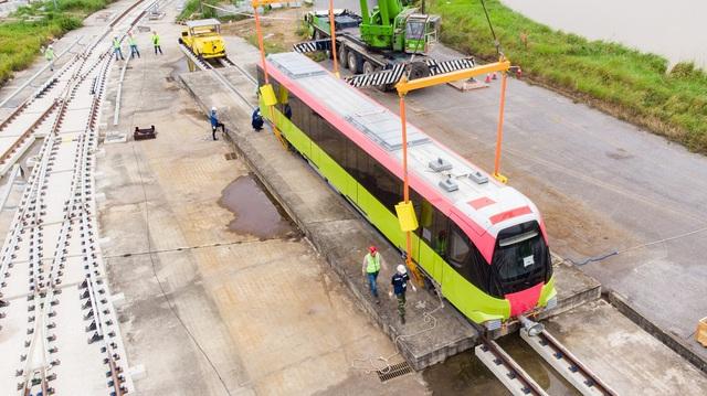 Đoàn tàu metro Nhổn - Ga Hà Nội đã về depot Nhổn - Ảnh 3.