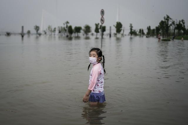 Bài học Trung Quốc chống lụt: Thuận theo tự nhiên, trả lại bãi bồi cho sông và lên kế hoạch cho sự bình thường mới của lũ - Ảnh 1.