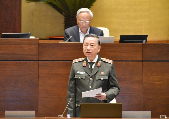 """Bộ trưởng Bộ Công an: """"Bỏ sổ hộ khẩu là mong ước của người dân""""  - Ảnh 1."""