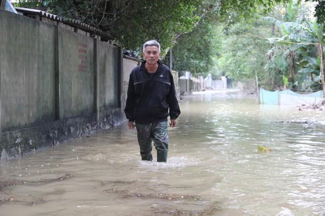 Nước sông Lam dâng cao, Nghệ An ngập lụt trên diện rộng - Ảnh 1.