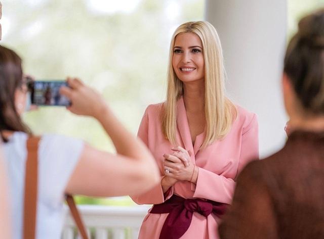 Mãn nhãn với gu thời trang tinh tế và thanh lịch của Ivanka Trump - Ảnh 5.