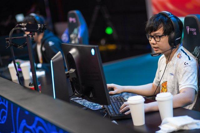 Sinh năm 1998, game thủ Việt thu về 5,5 tỷ đồng/tháng với tựa game Liên Minh Huyền Thoại - Ảnh 1.