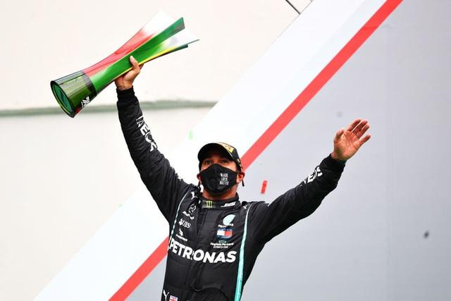 Chiêm ngưỡng khối bất động sản đáng mơ ước của Lewis Hamilton - ông Vua mới vừa phá kỷ lục của huyền thoại F1 Michael Schumacher - Ảnh 1.