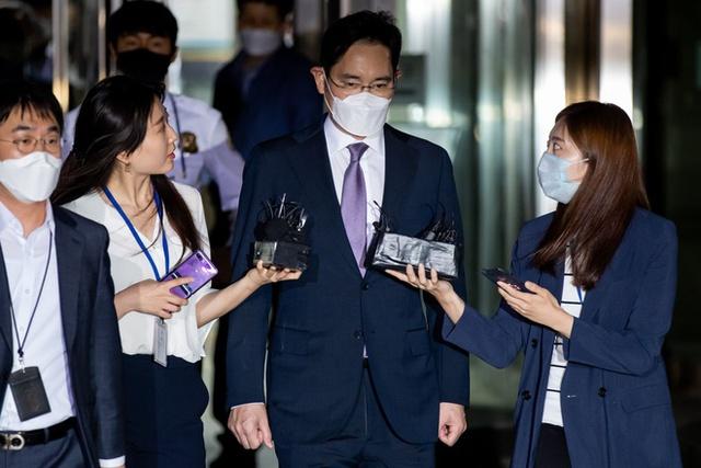 Lý do thái tử Samsung sẽ phải chờ rất lâu nữa mới được nhận ngai vàng - Ảnh 1.