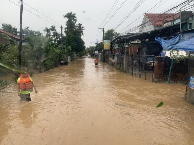 Sau bão, nhiều hộ dân miền núi Bình Định đối mặt lũ quét  - Ảnh 1.