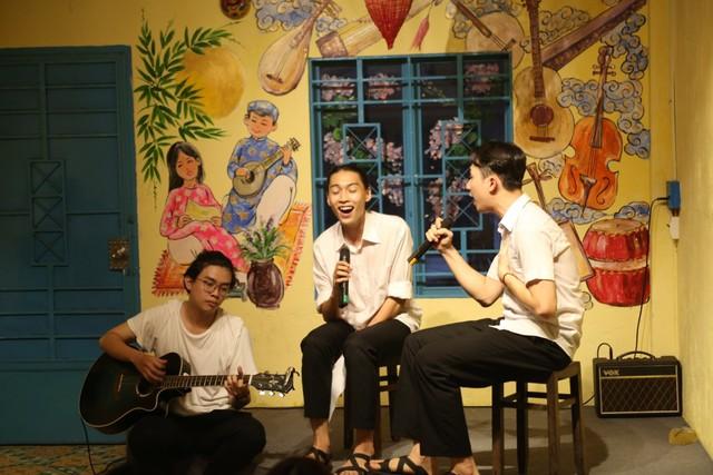 Cuối tuần ở Sài Gòn: Nức lòng quán cà phê kỹ năng mềm cho giới trẻ, tim lại hồi ức tuổi ấu thơ - Ảnh 2.