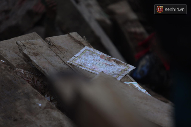 Nước mắt cụ bà mất 8 người thân trong vụ sạt lở ở Quảng Nam: Con nhắn tôi cẩn thận sạt lở, nhưng giờ con chẳng còn nữa - Ảnh 11.