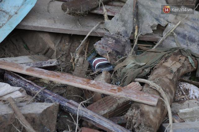 Nước mắt cụ bà mất 8 người thân trong vụ sạt lở ở Quảng Nam: Con nhắn tôi cẩn thận sạt lở, nhưng giờ con chẳng còn nữa - Ảnh 14.
