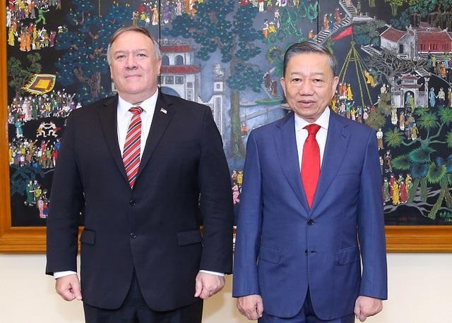 Mỹ viện trợ Việt Nam 2 triệu USD để khắc phục hậu quả thiên tai - Ảnh 1.