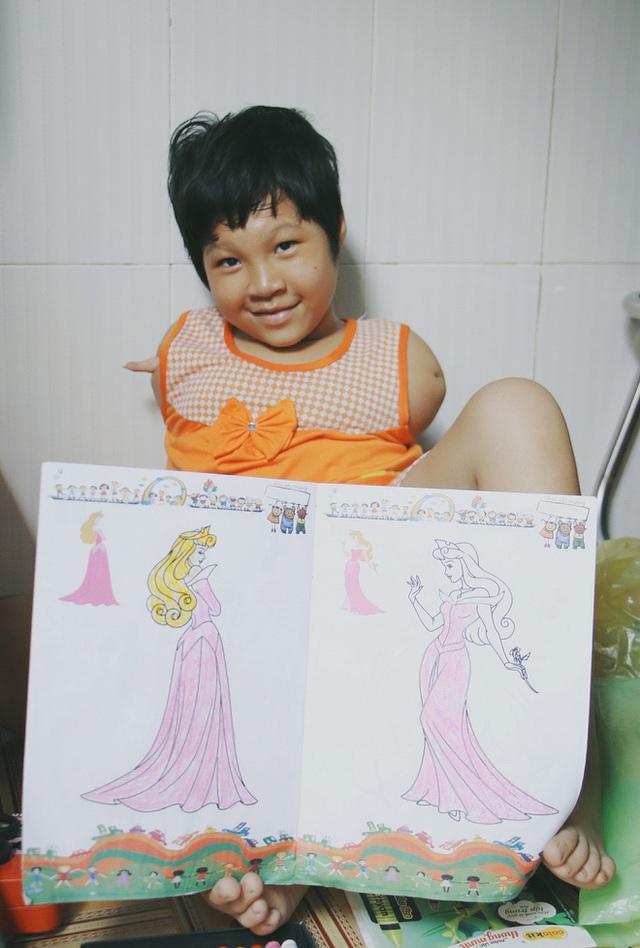 Nghẹn lòng trước câu nói của cô bé chim cánh cụt ở Sài Gòn: Bố mẹ không có thương con, giờ con chỉ có bà nội thôi... - Ảnh 15.