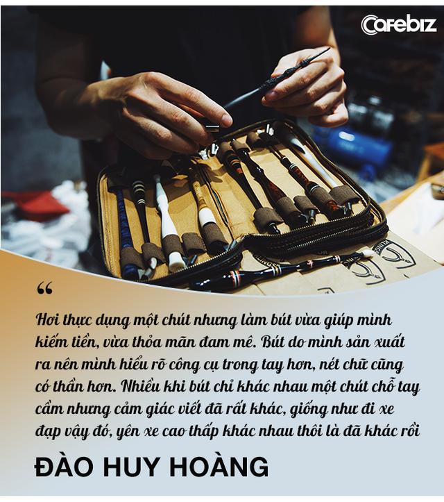 Sống bằng đam mê: Cựu sinh viên FTU rẽ ngang sang nghề viết chữ, đến nay thành nghệ nhân calligraphy số 1 Việt Nam  - Ảnh 9.