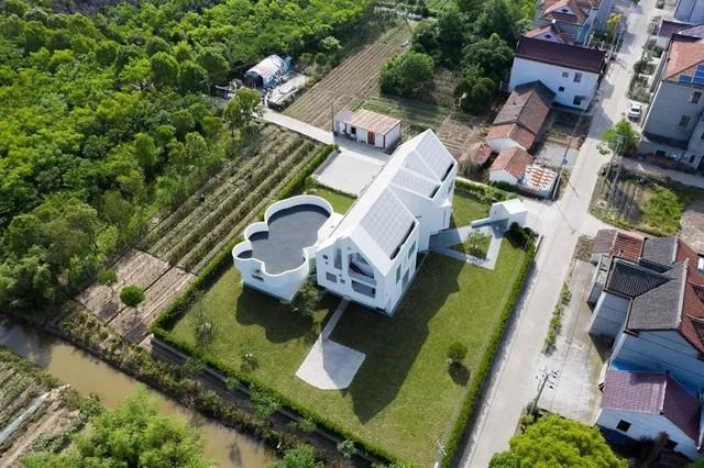 20 năm lên thành phố lớn lập nghiệp, hai vợ chồng quyết định bán nhà về quê và cải tạo nhà cũ nổi bật nhất làng - Ảnh 3.